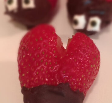 Chocolate Dipped Strawberry Bugs