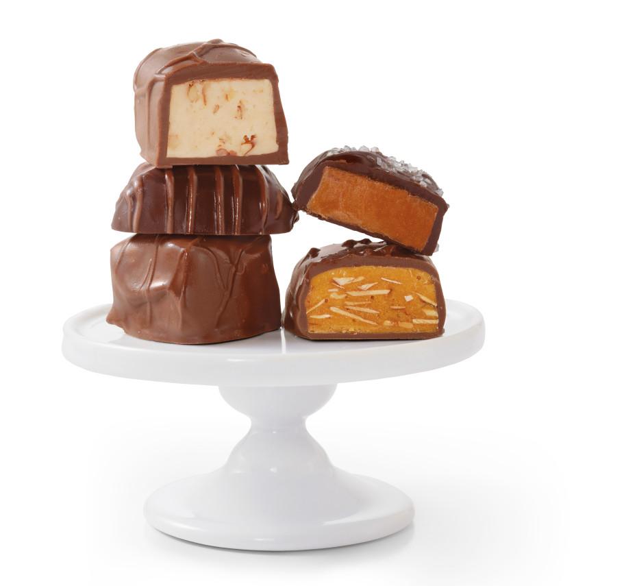 HF14_Chocolate_Pedestal_PR-930x855