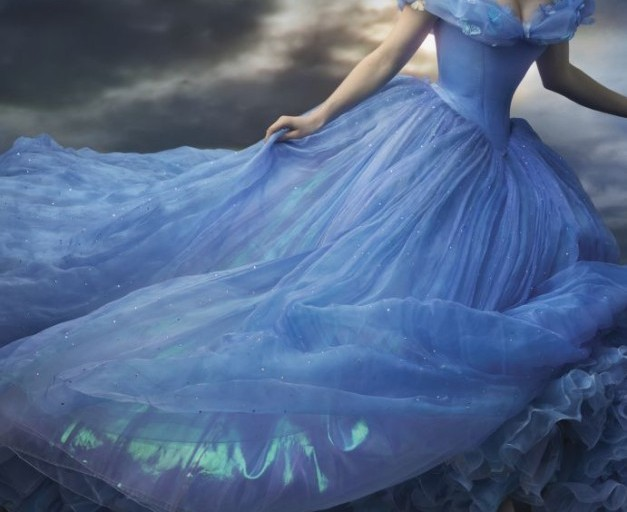 Sneak Peek and Photos of Disney's #Cinderella in Theaters March 13