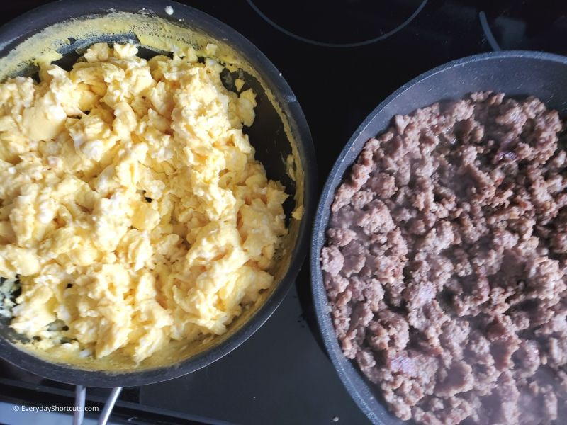 how-to-cook-eggs-and-sausage