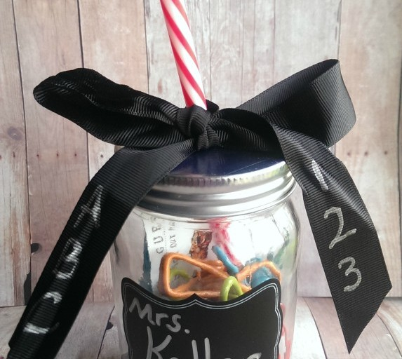Teacher Appreciation Gift Idea: Personalized Mason Jar Cup