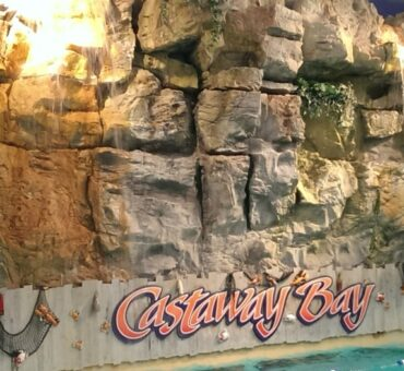 Family Fun at Castaway Bay Deal + 4 Day Passes Giveaway