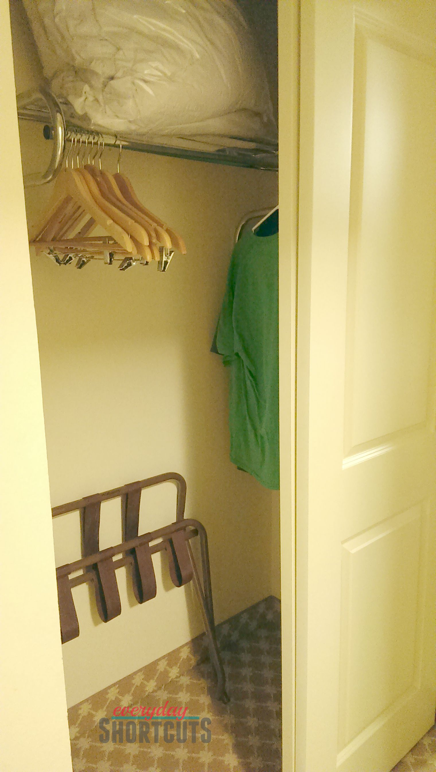 country-inn-suites-closet-space