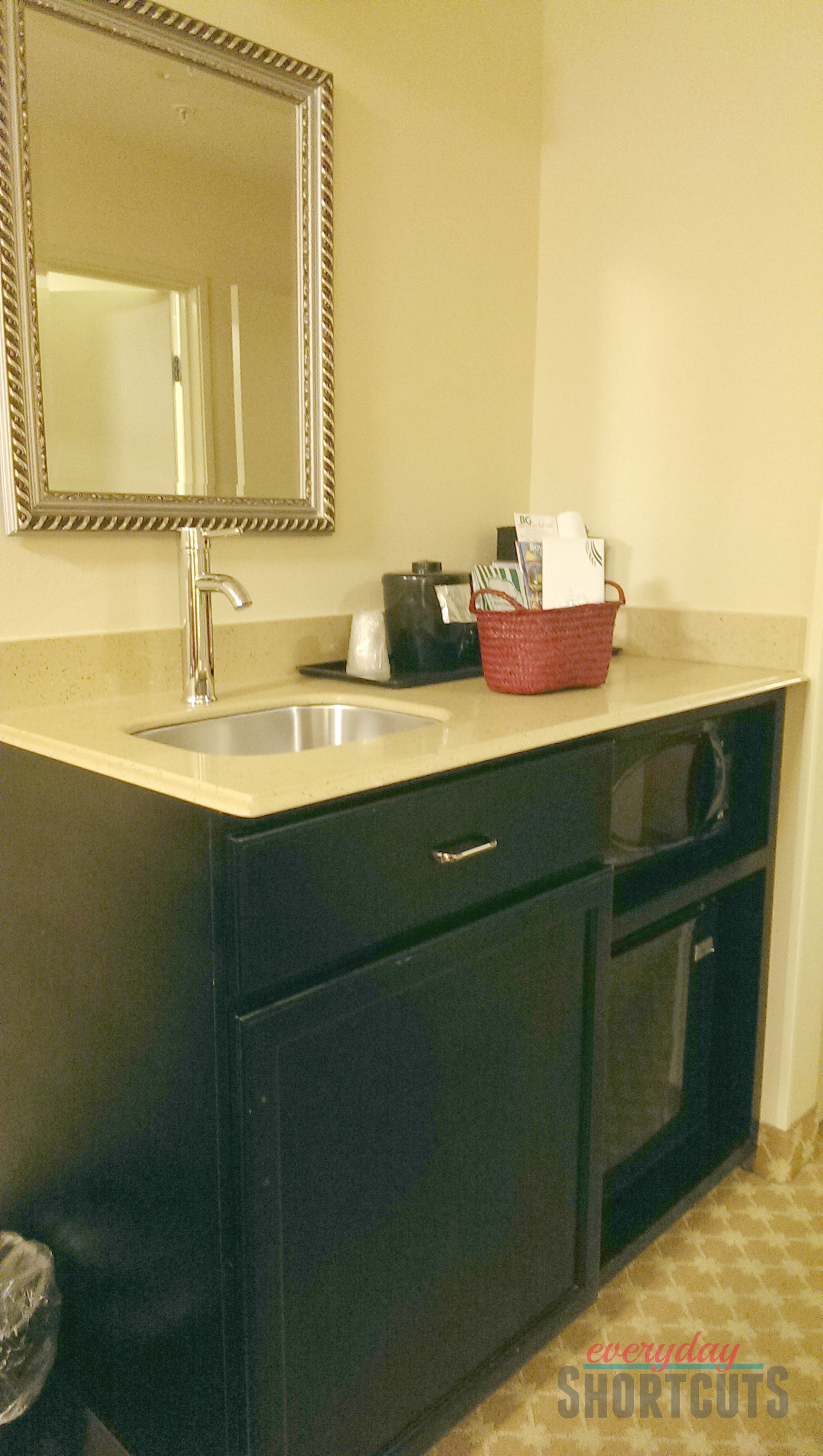 country-inn-suites-kitchenette