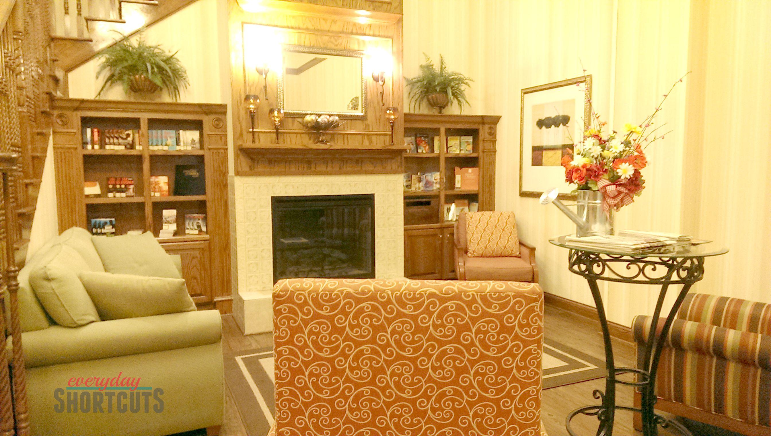 country-inn-suites-lobby