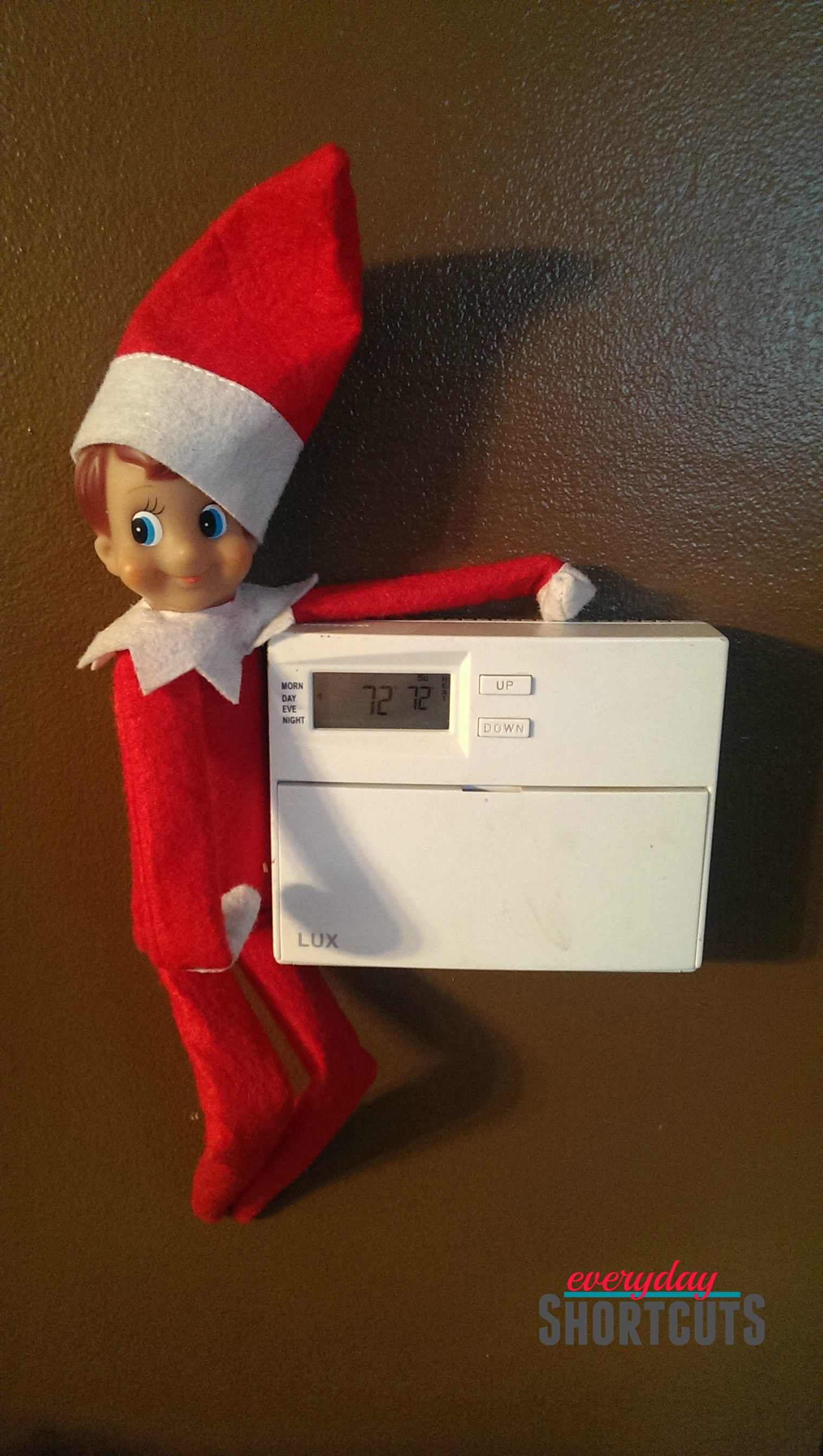 elf-on-the-shelf-changing-the-thermostat