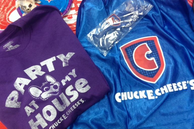 Tips for a Successful Birthday Party at Chuck E Cheese + Reader Giveaway