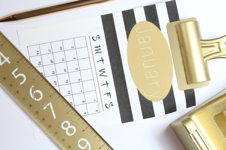 2016 Black and Gold Printable Desk Calendar