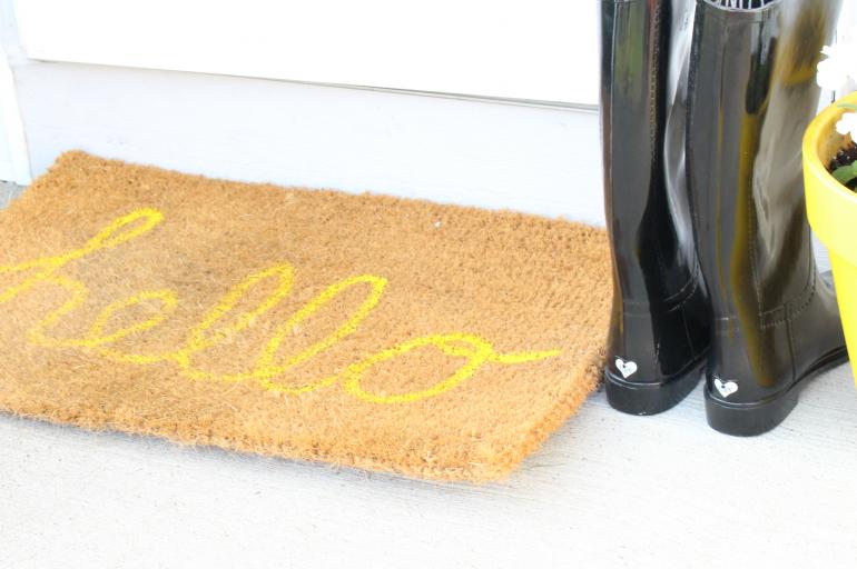 DIY Hello Doormat