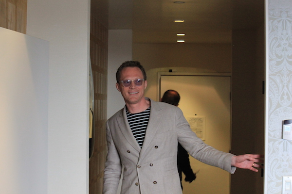 Paul-Bettany entering
