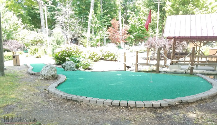 miniature-golf
