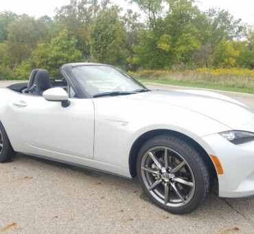 Cruising in the 2016 Mazda MX-5 Miata