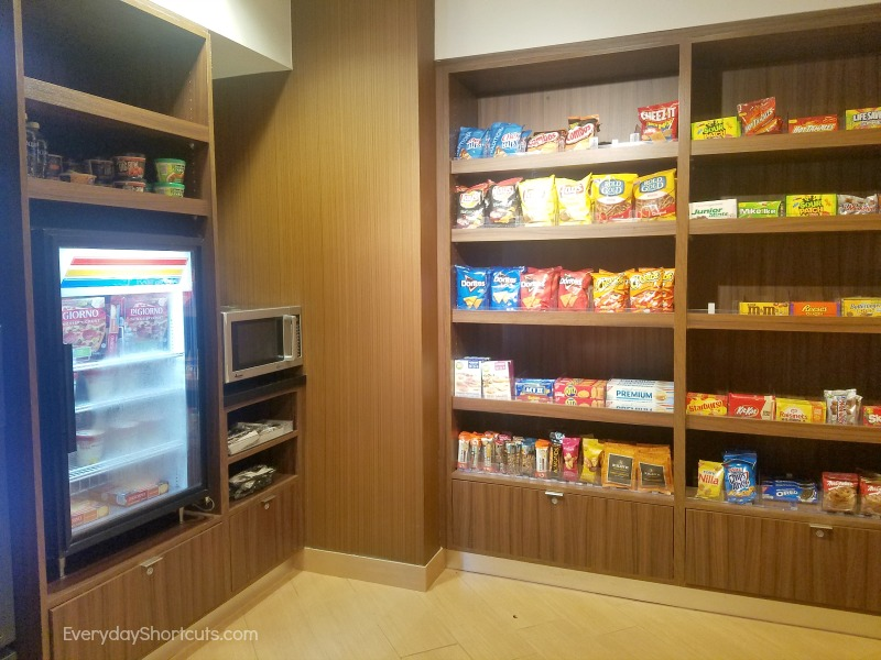 fairfield-inn-and-suites-pantry