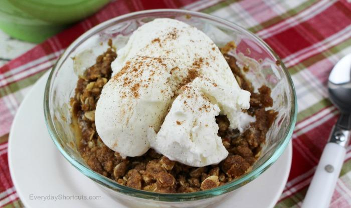 apple-pear-crisp-with-vanilla-ice-cream