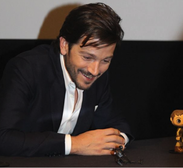 Exclusive Interview with Diego Luna as Cassian Andor in Rogue One: A Star Wars Story
