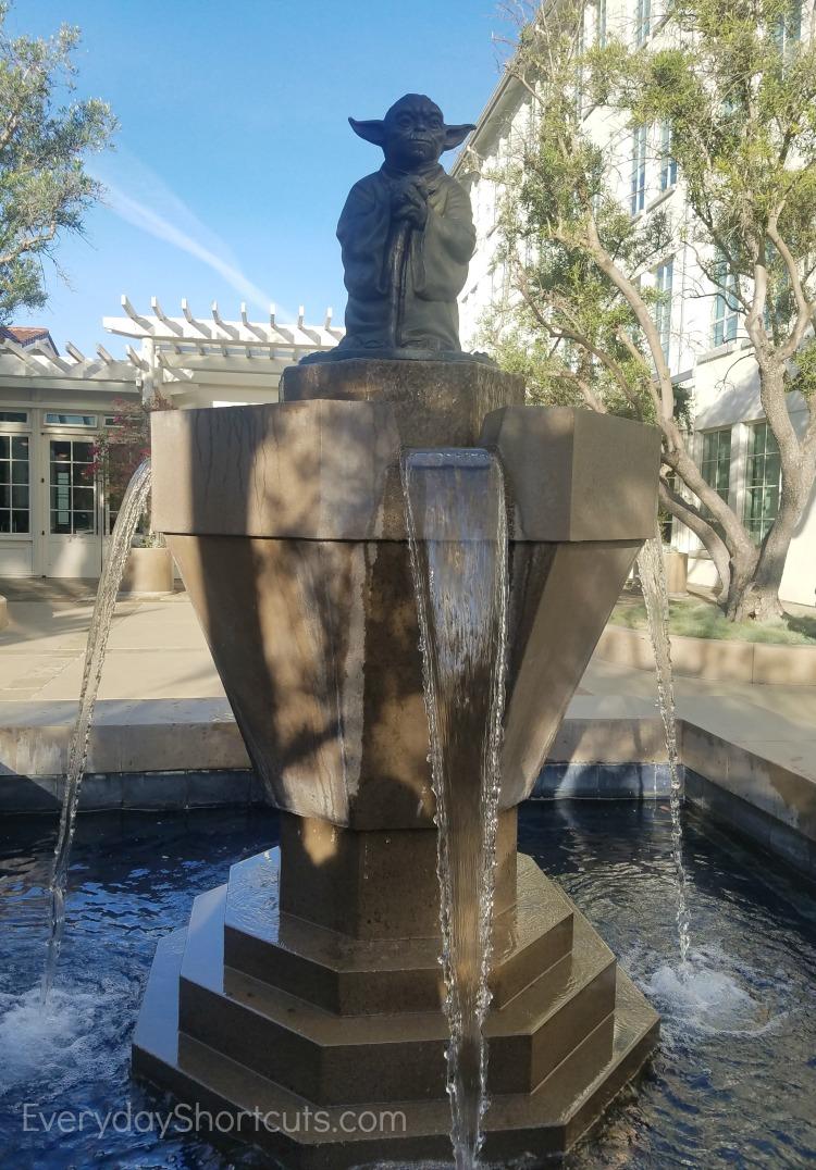 yoda-fountain