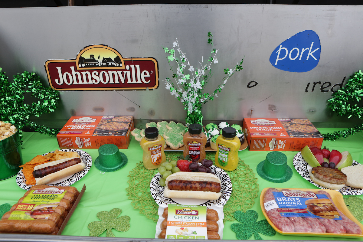 Johnsonville grilling the 2017 chicago polar plunge everyday former chicago bears linebacker brian urlacher helped johnsonville grill and serve bratwursts at sundays chicago polar plunge on march 5 2017 in chicago stopboris Choice Image