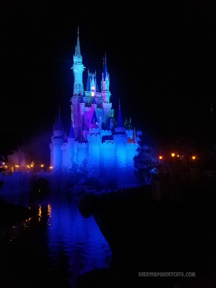 castle-lit-up-at-night