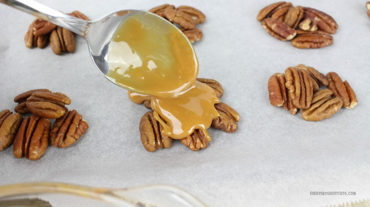 turtle-candies-with-pecans