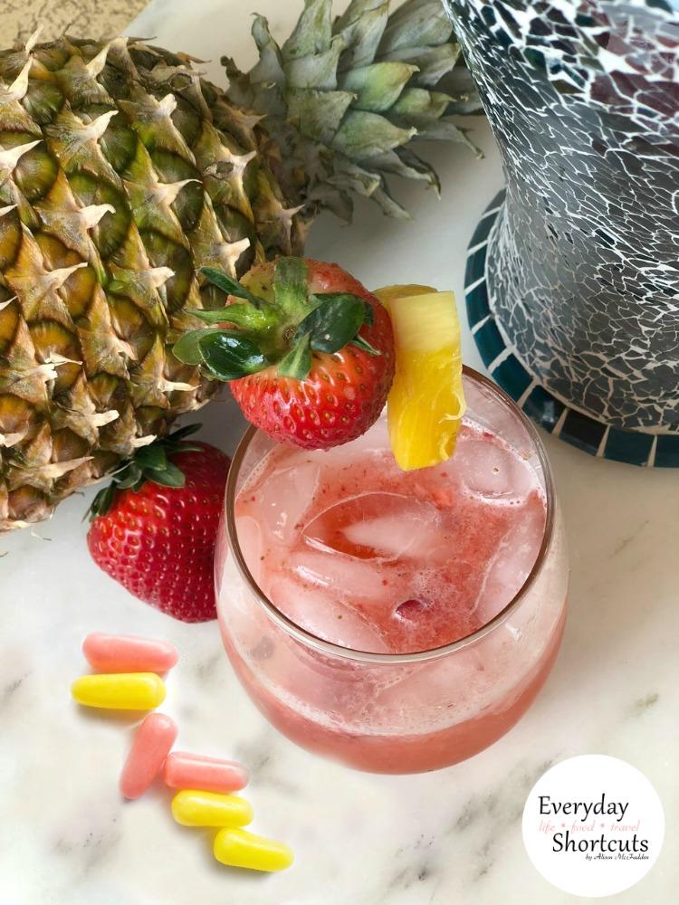 Sour-Strawberry-Lemonade-Mocktail-drink