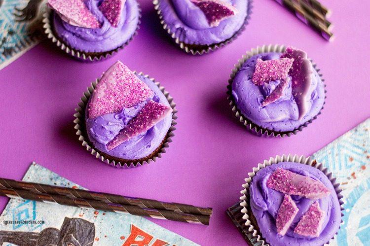 Vibranium-purple-Cupcakes--750x499