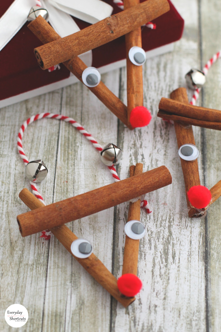 DIY-Rustic-Rudolph-Ornament