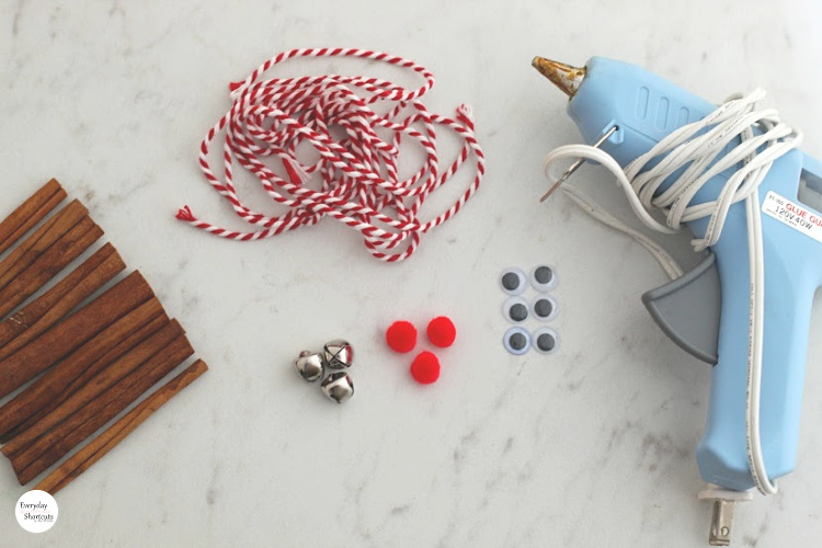 supplies-for-reindeer-ornament