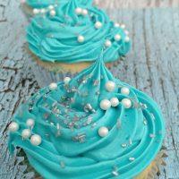 frozen-inspired-poke-cupcakes-526x9301-200x200
