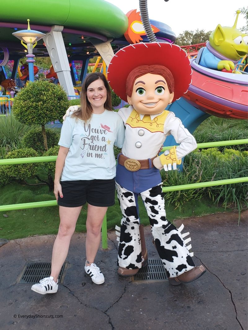 Tips For Meeting Your Favorite Characters in Disney World