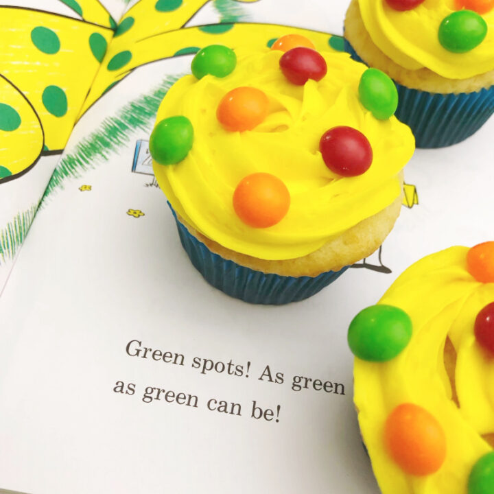 Dr.-Seuss-Put-Me-In-The-Zoo-Cupcakes-720x720