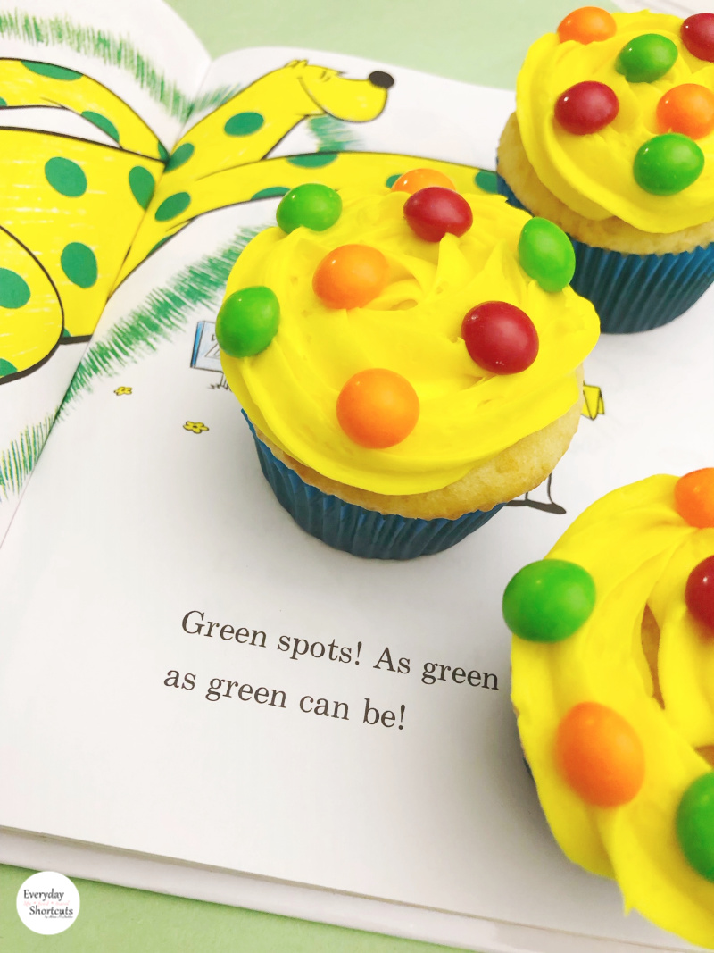 Dr.-Seuss-Put-Me-In-The-Zoo-Cupcakes