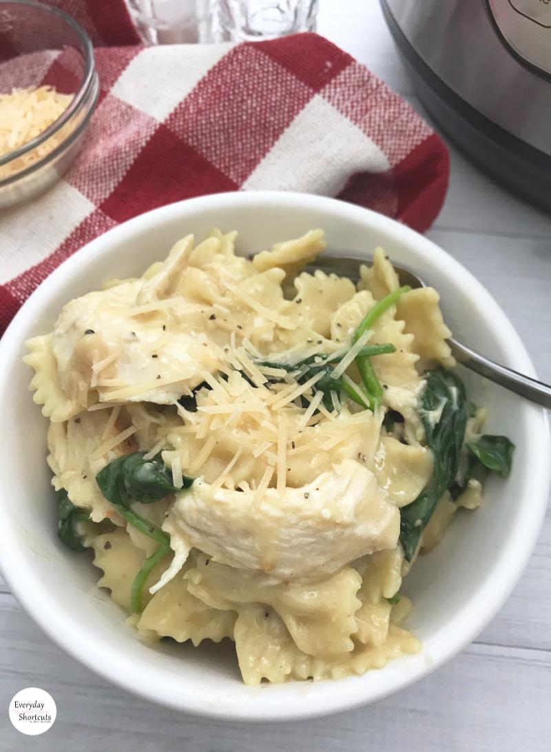 Instant-Pot-Chicken-Florentine