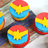 Captain-Marvel-Cupcake-200x200