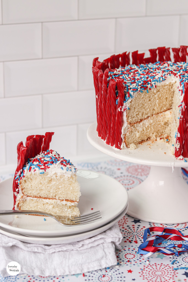 layered-cake-cut