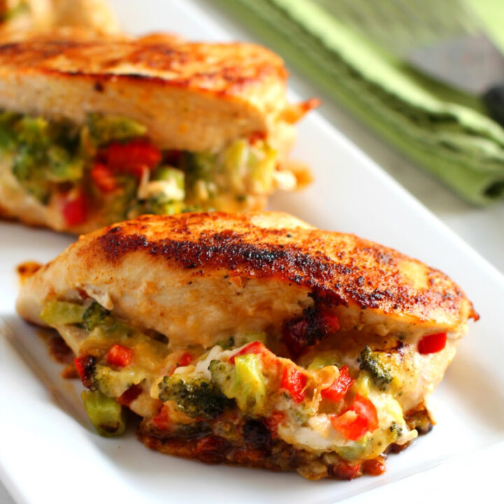 Broccoli-Cheese-Stuffed-Chicken-720x720