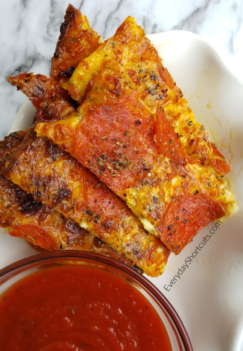 pizza-sticks-with-sauce