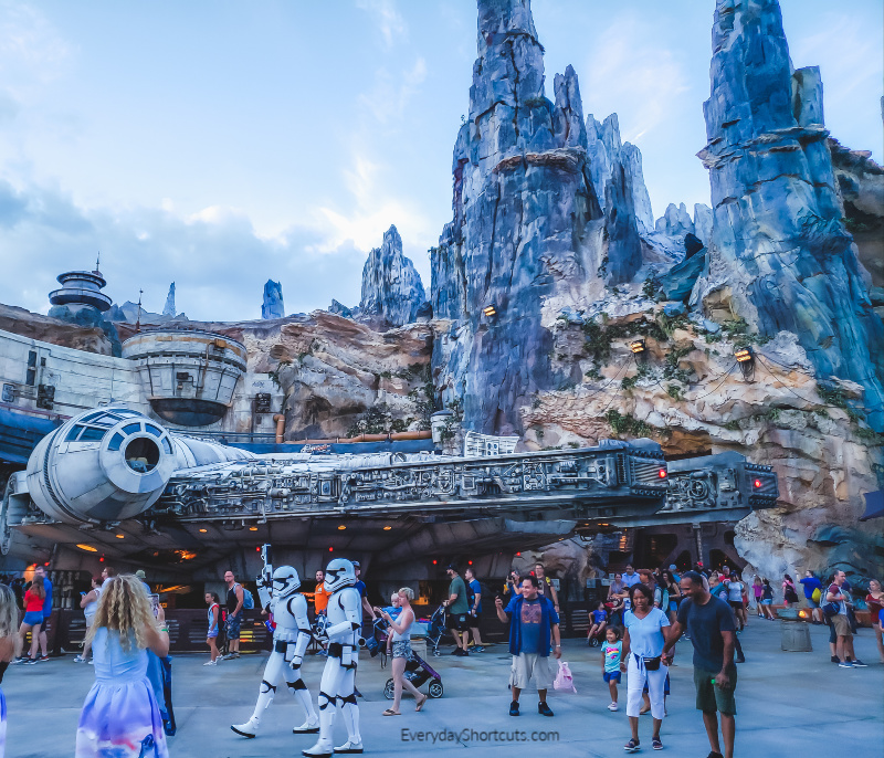Star-Wars-Galaxys-Edge-Disney-World