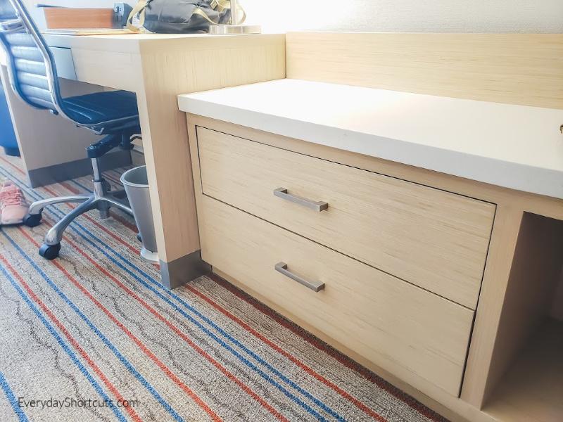 hotel-storage-space