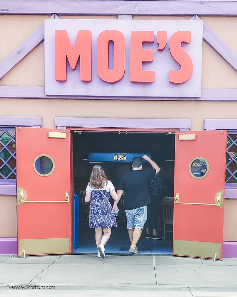 moes-place-at-universal-stuidos