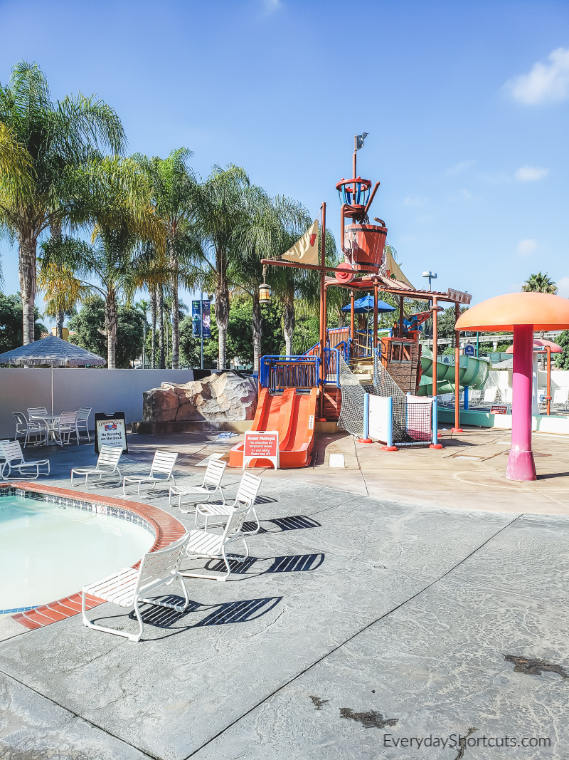 water-playground-at-hojo-anaheim