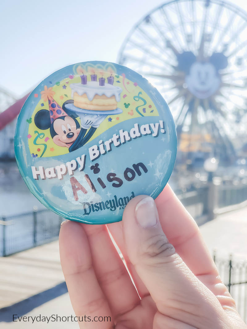 birthday-button-at-disney