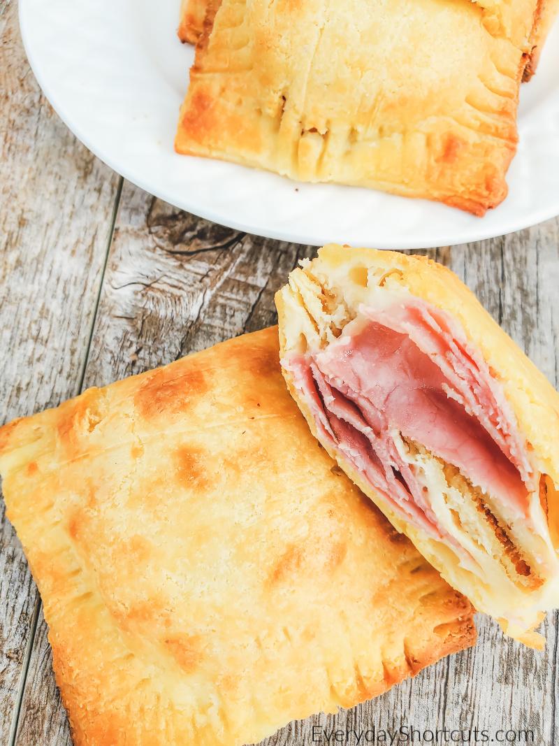 keto-ham-and-cheese-pocket