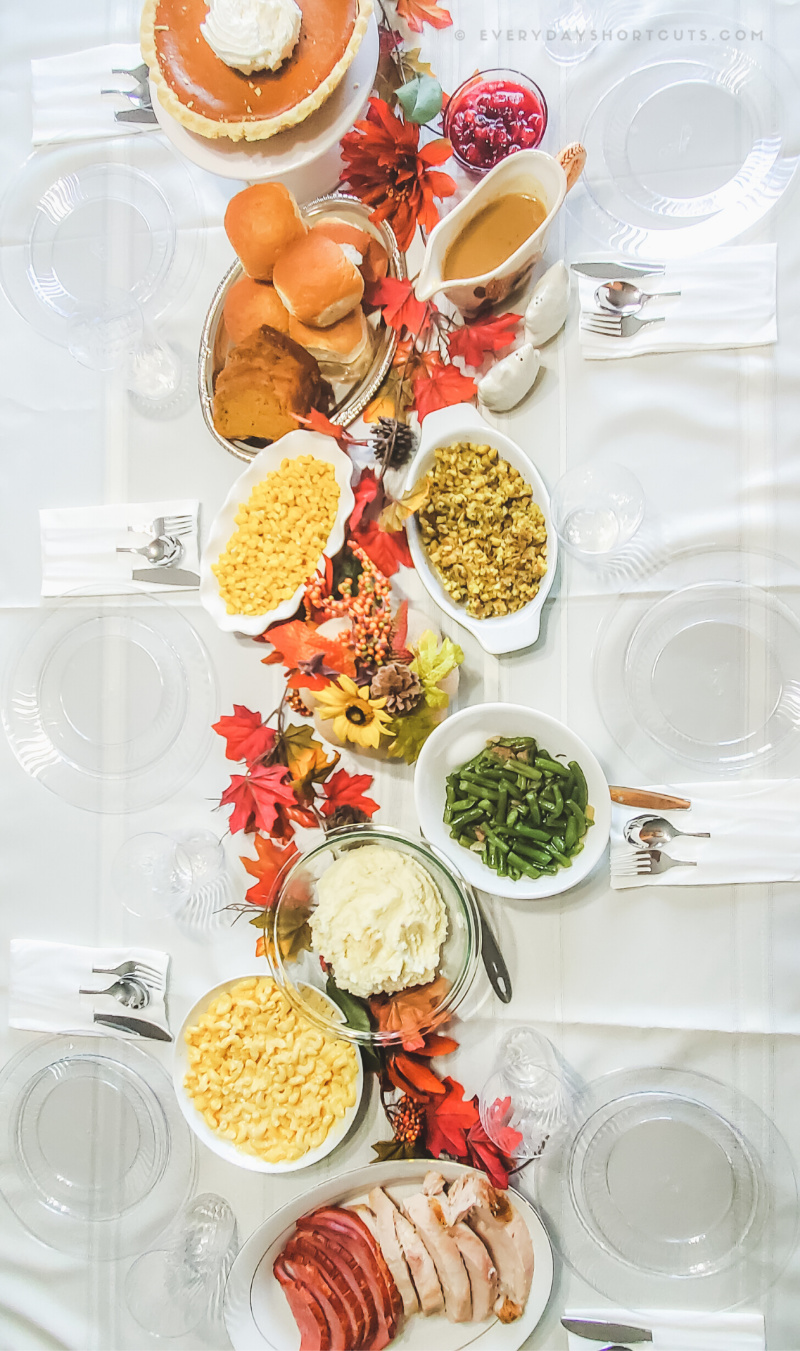 Thanksgiving-table-and-food