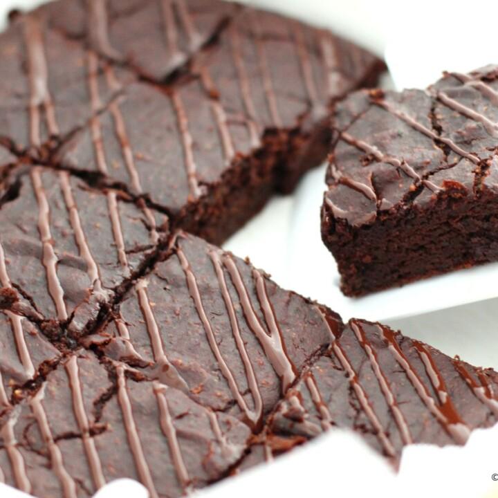 Dark-Chocolate-Zucchini-Brownies-Bars-720x720