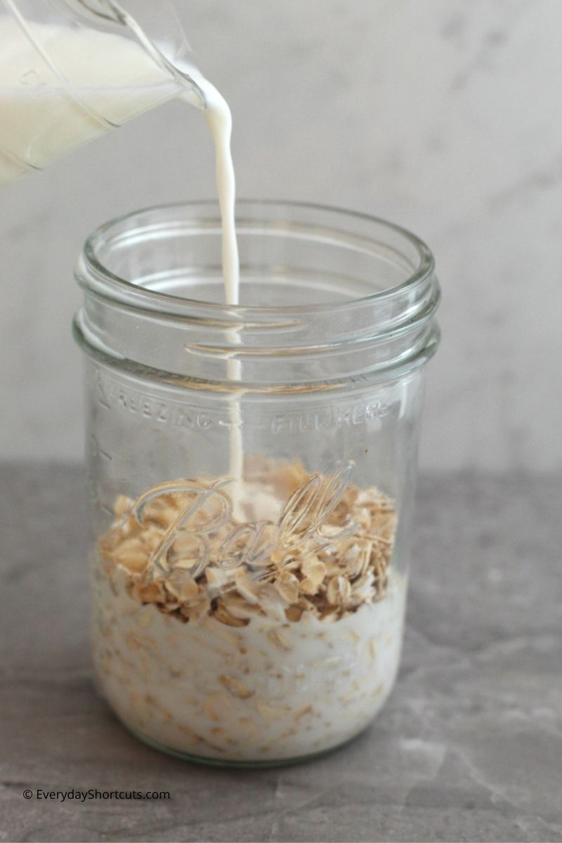How-to-Make-Apple-Pie-Overnight-Oats