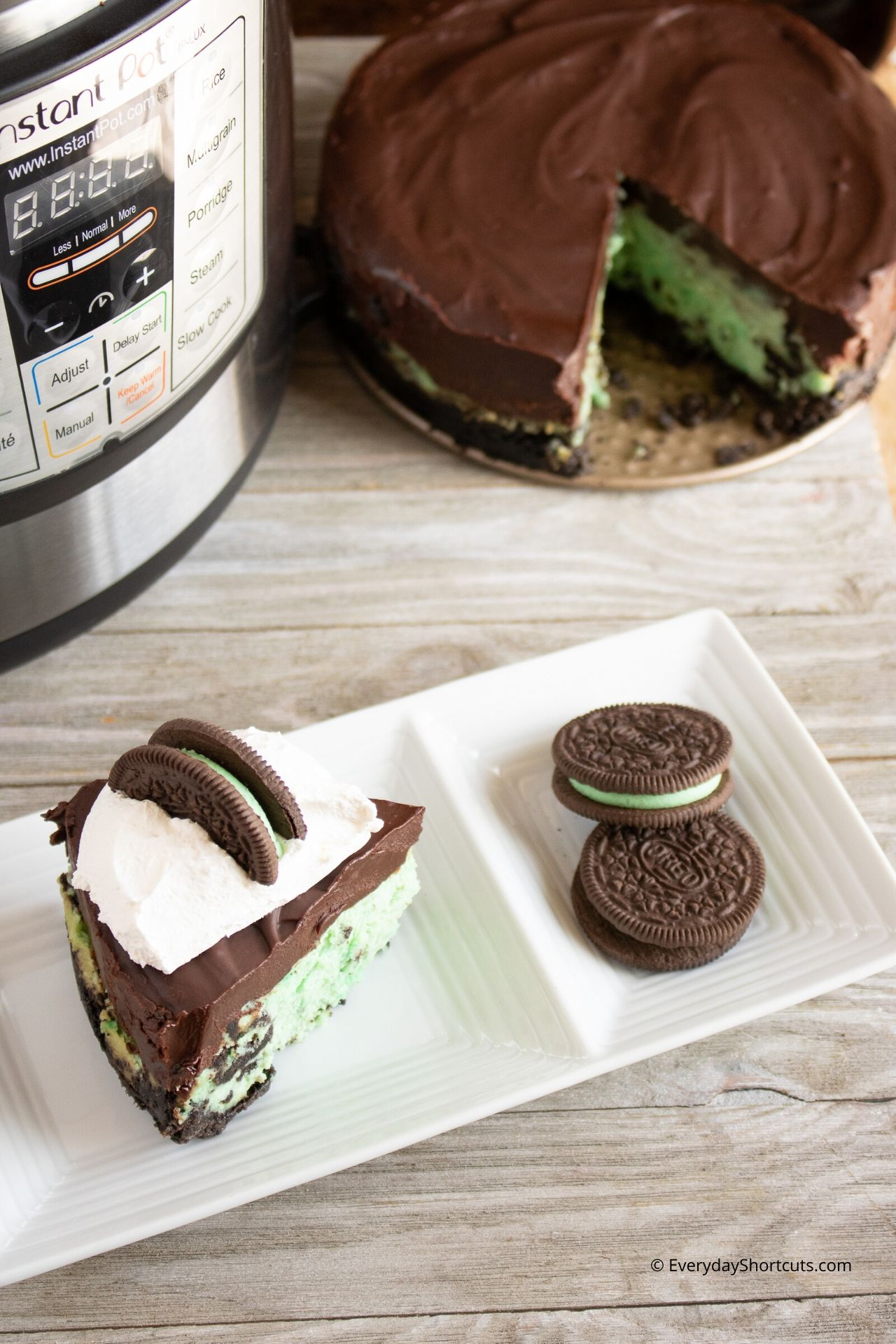 oreo-mint-cheesecake-made-in-an-instant-pot