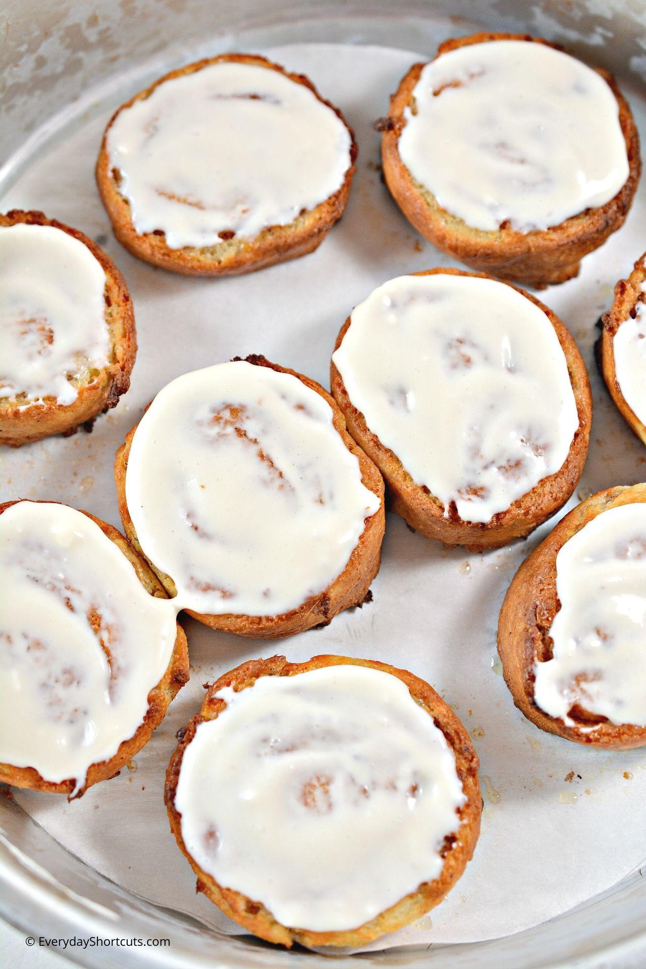 frost-keto-cinnamon-rolls