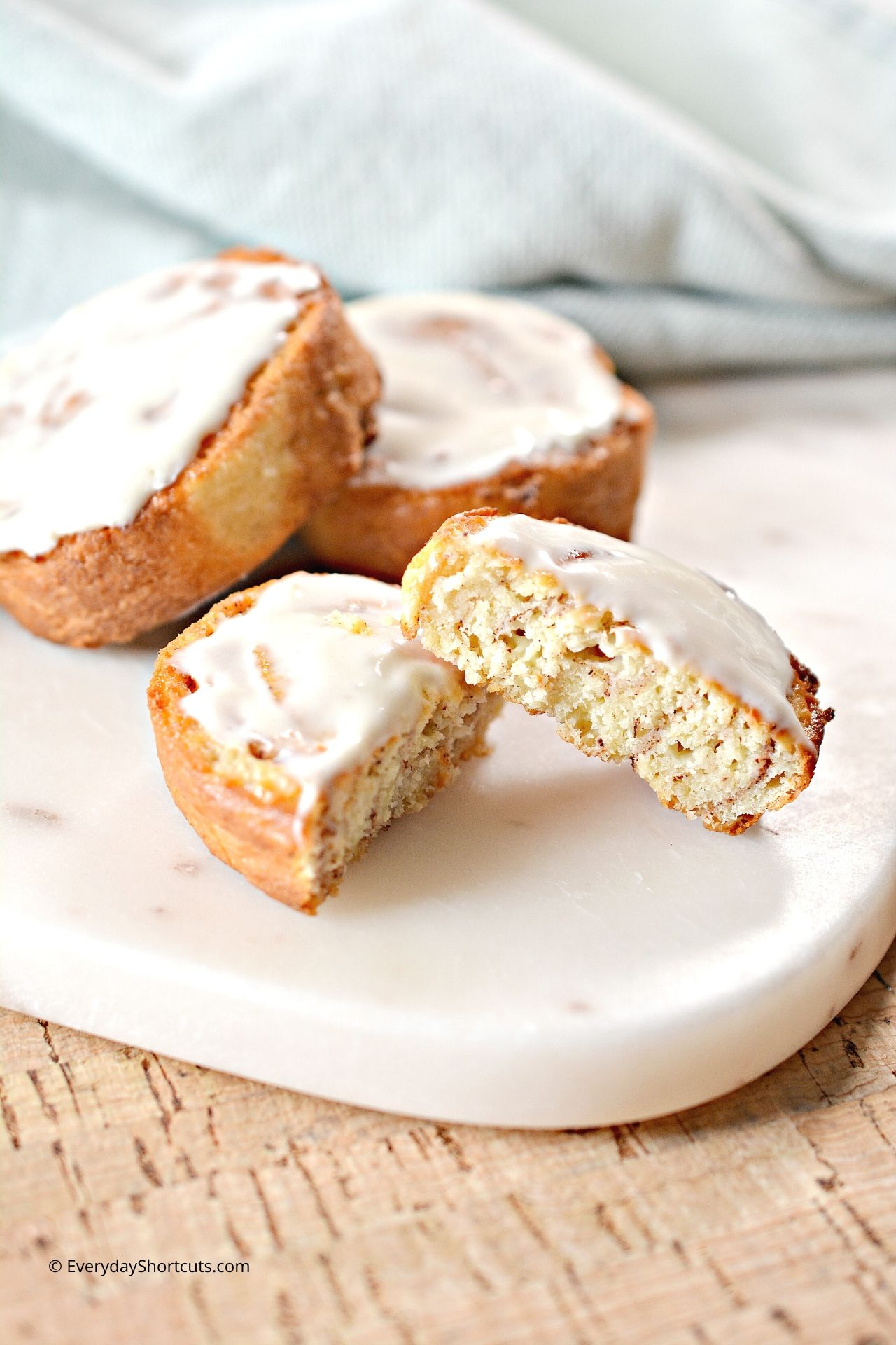 how-to-make-cinnamon-rolls-in-the-air-fryer