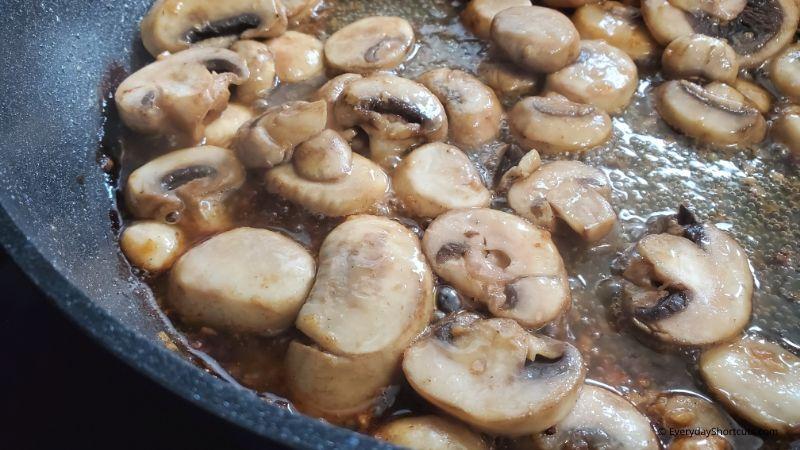 how-to-saute-mushrooms