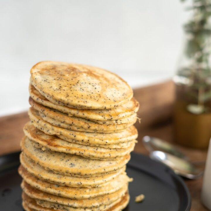keto-banana-poppy-seed-pancakes-720x720